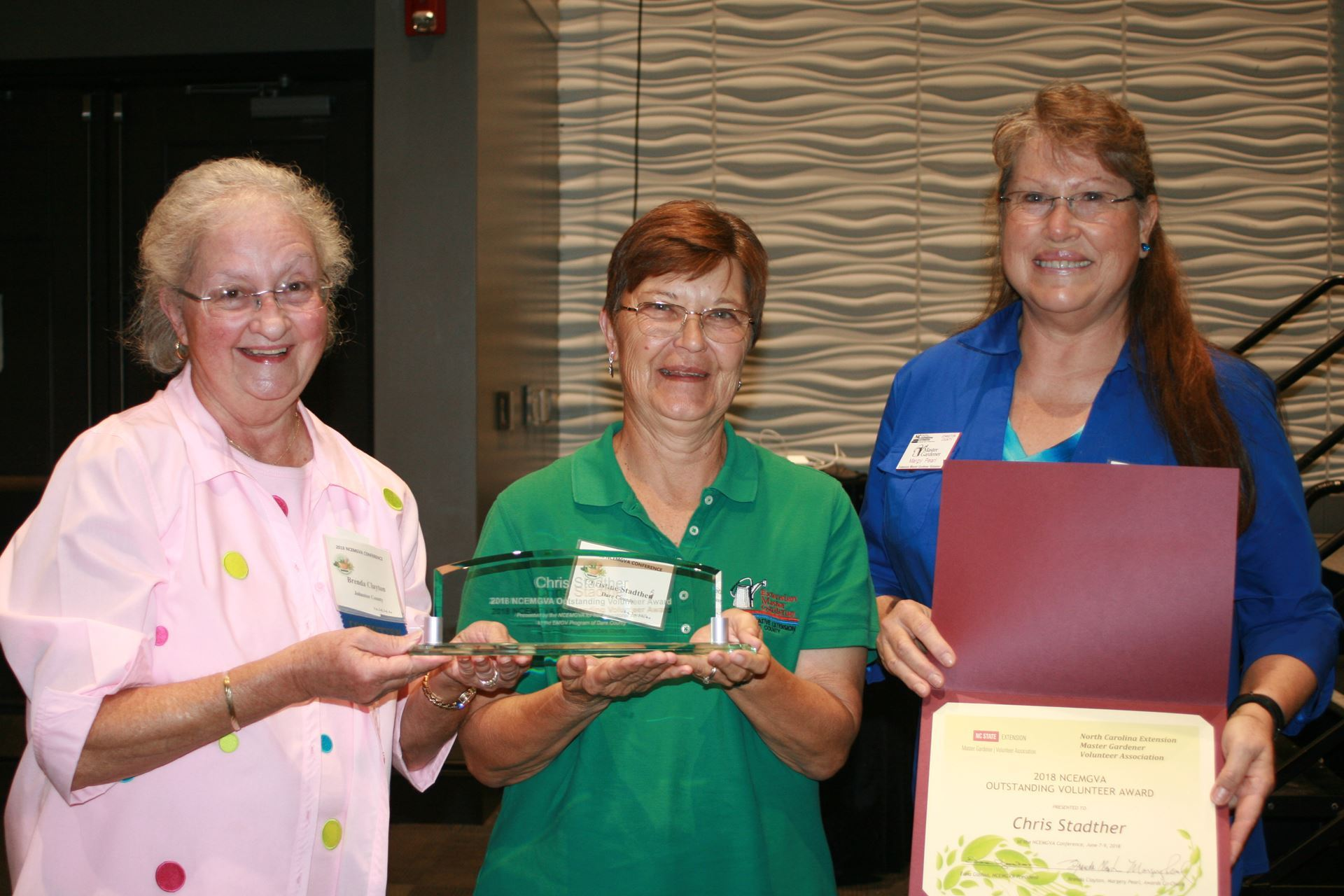 Dare County Emgv Chris Stadther Center Receives A 2018 Ncemgva Outstanding Extension Master Gardener Volunteer Award From Co Chairs Brenda Clayton Left